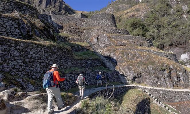 camino-Inca-trail-Machu-Picchu-caminoincamachupicchu_org (662 x 400)