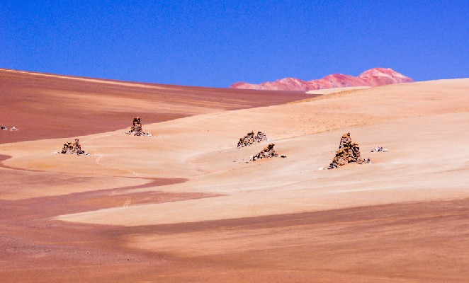 ruta-salar-uyuni-denomades-desierto-salvador-dali