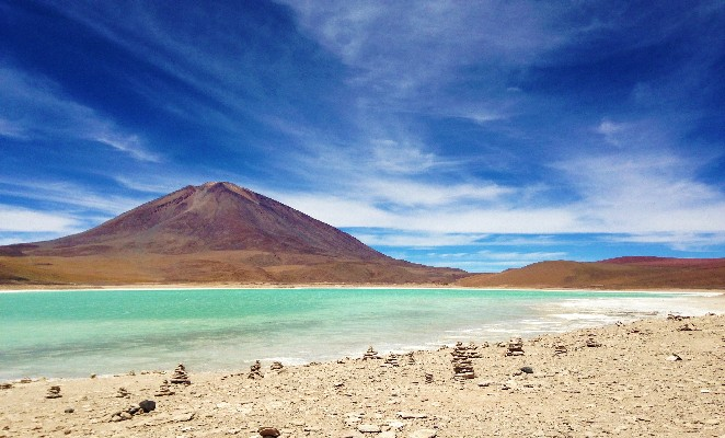 ruta-salar-uyuni-denomades-laguna-verde