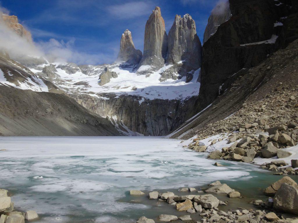 laguna--congelada-torres-paine-invierno