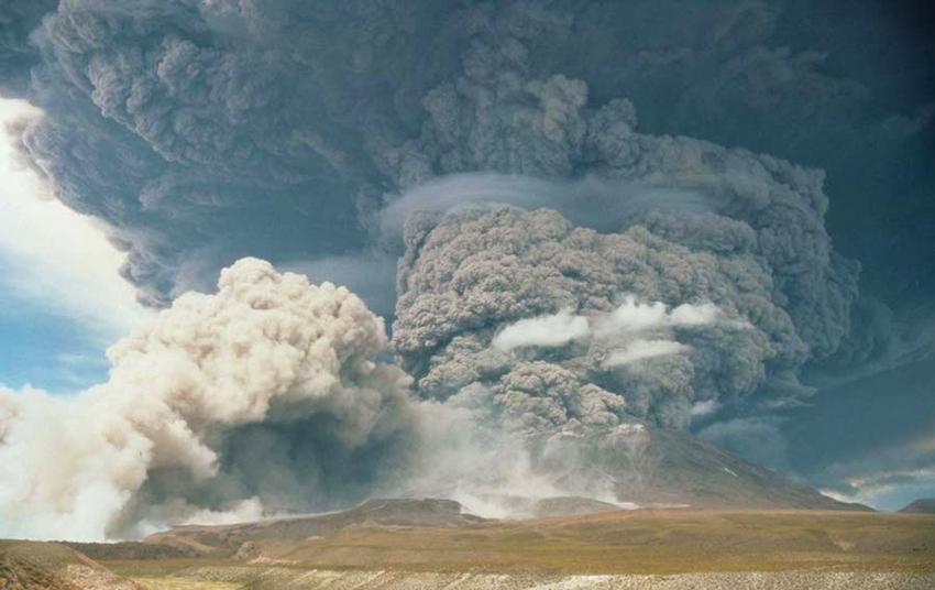 erupcion-lascar-1993