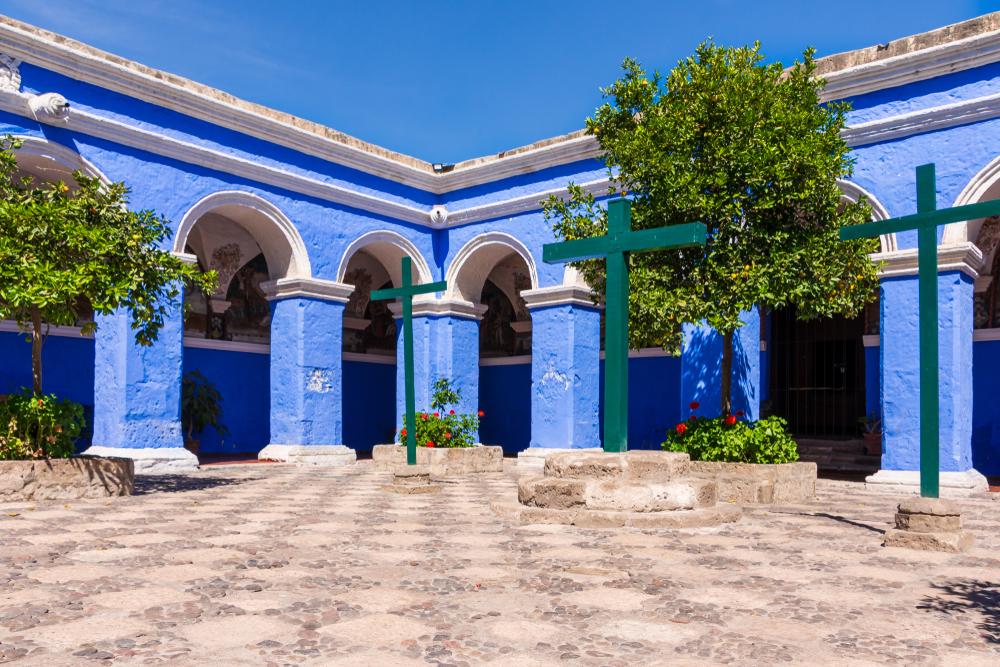 Arcos azules en monasterio de santa catalina