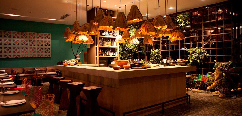 Interior de restaurante elegante