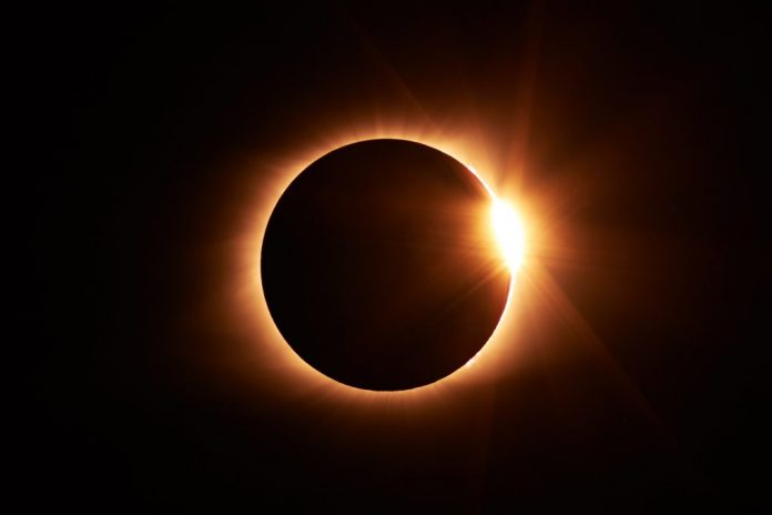 Fotografía de eclipse total solar