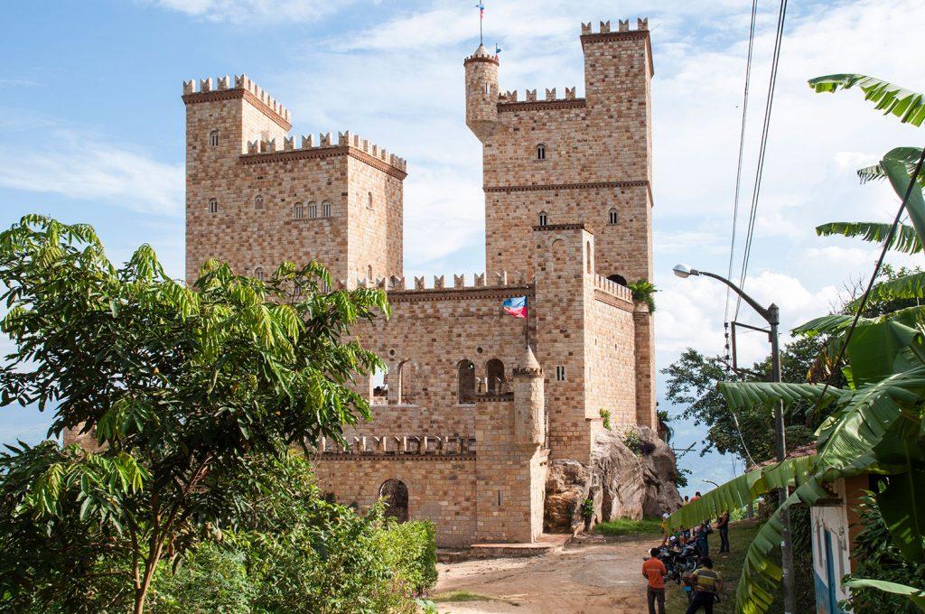 Castillo cerca de la ciudad de Tarapoto