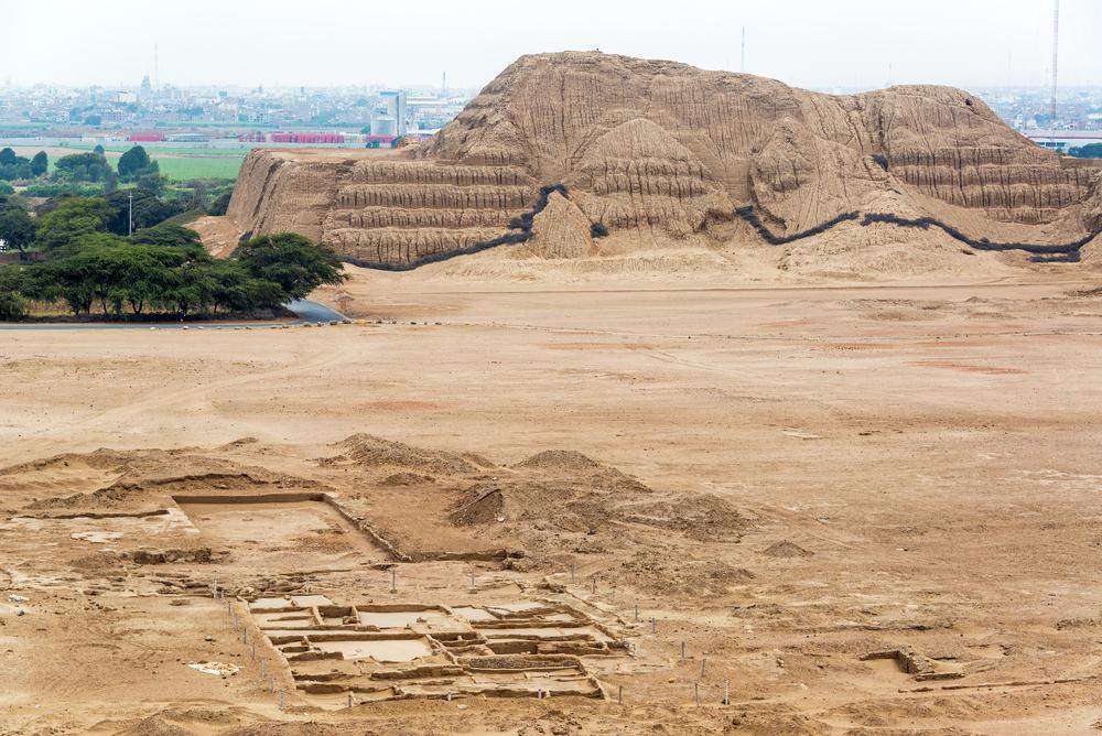 Construcciones de complejo arqueológico huacas de sol y luna